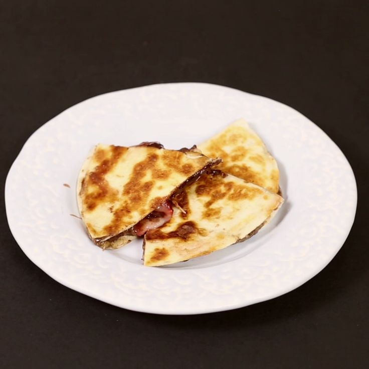 This sweet quesadilla tastes like it should be off-limits in any healthy diet, but every once in a while you should have one of this.