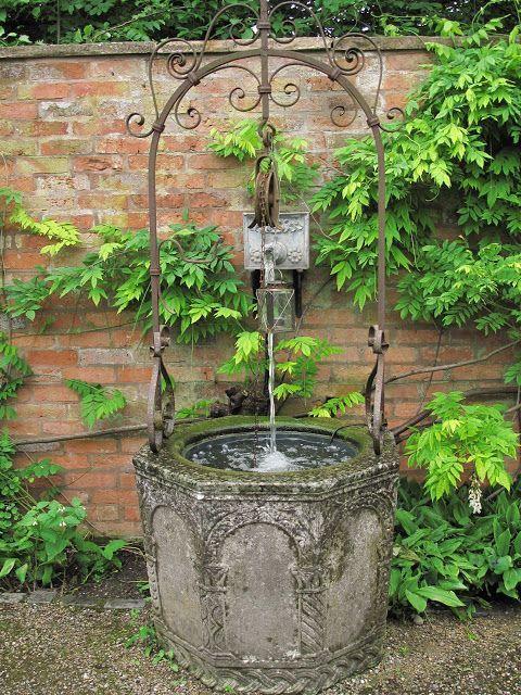 17 meilleures images propos de fontaines pompes puits for Creuser puit jardin