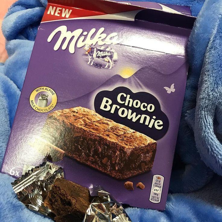 Ммм)) вкусняшка) кто любит шоколад  - тому очень понравится!  Это шоколадный брауни влажный и ароматный  В коробке 6 кексов  цена коробки 279