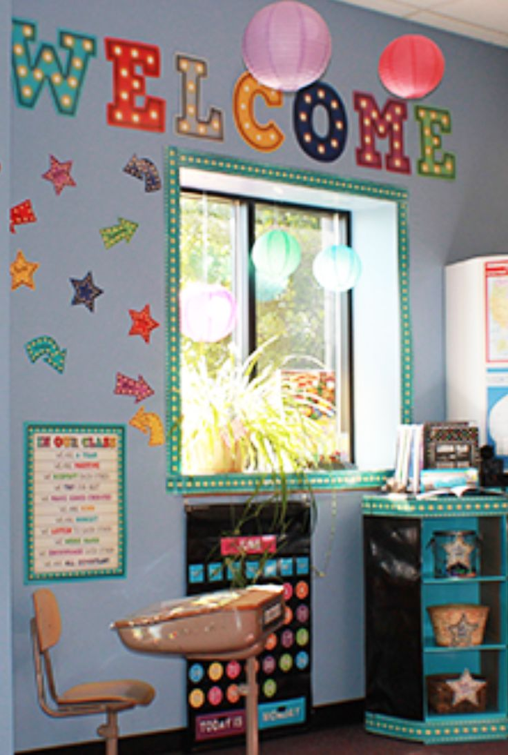 Take a look at this Marquee display! Welcome students to a classroom, or guests to just about any space with the Marquee Welcome Bulletin Board. Vibrant colors featuring the classic light letter look.