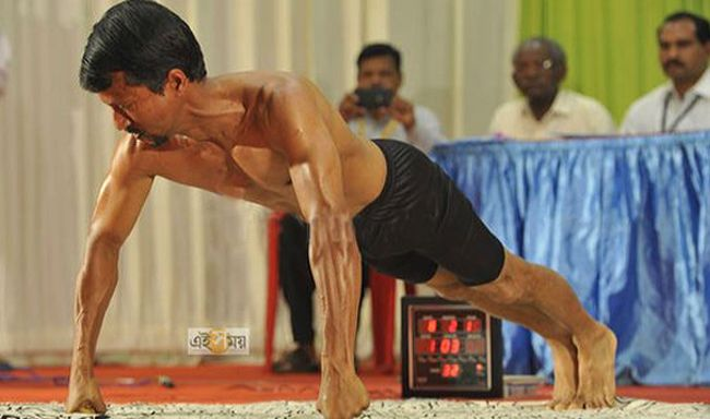 Vegan Sets New Guinness World Pushup Record | Eighty-two knuckle pushups in 60 seconds have put a vegan Ayurvedic practitioner in the record books.