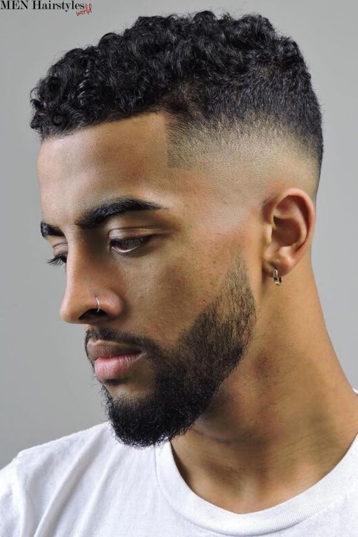 Hairstyle Man Short In 2020 Mens Short Curly Hairstyles Curly Hair Men Mens Haircuts Fade