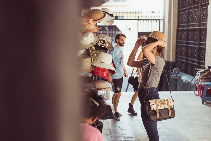 ¿En qué nos inspiramos?: ¡En vos! Bolsos, mochilas, carteras y accesorios con diseños únicos, originales, coloridos y llenos de energía. Resistentes y ecológicos. Producción nacional, independiente y autogestiva. ¿Sos única?: Sos Shiminuta #bandolera #bolso #cartera #mochila #diseño #unico #original #shiminuta #argentino #independiente