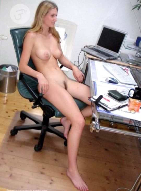 Be Natural  Nude Office Work, Computing, Gaming  Reading-9271