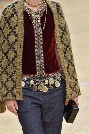 Accessoires du Défilé Chanel Pret a porter Automne Hiver 2015 2016 Paris
