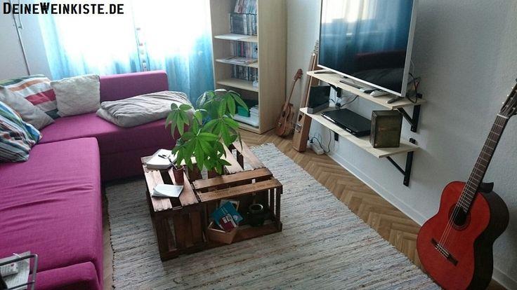 Couchtisch Aus Vier Weinkisten (mit Anti Holzwurm Wärmebehandlung) Mit  Pflanze In Wohnzimmer