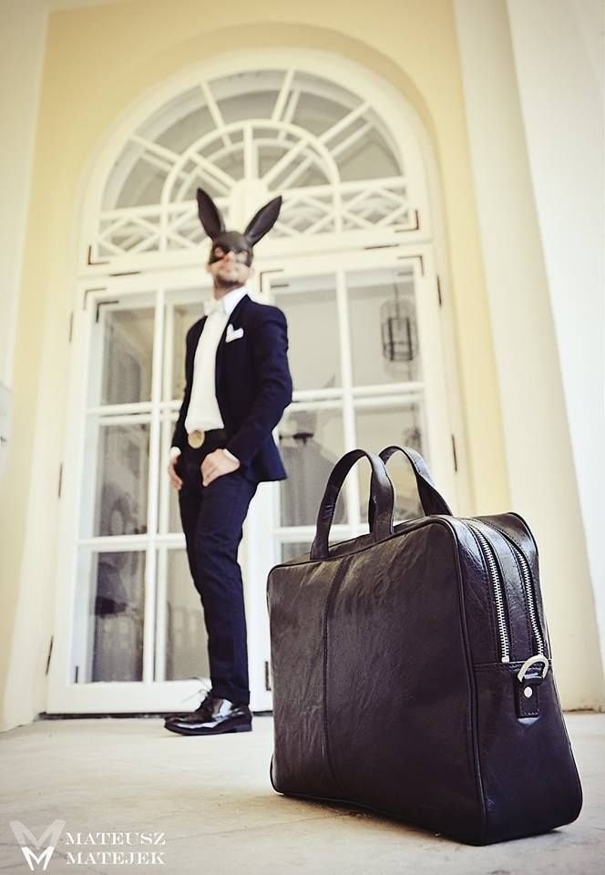 """Torba, teczka na laptop duńskiej marki Montana. Skandynawska klasyka, idealna skóra, doskonałe wykończenie. Długi regulowany pasek, pasuje na laptop max 14"""". #multicase #montana #laptopbag #style #mansfashion #bag #leather"""