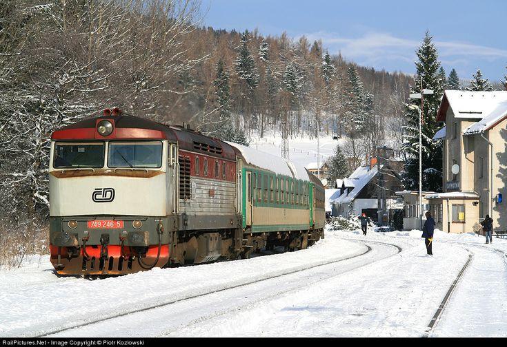 749 246-5 CD - Ceske Drahy ČKD T 478.2 at Ostružná, Czech Republic by Piotr Kozlowski