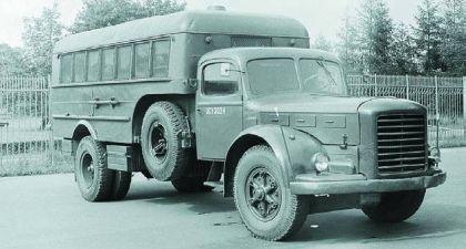 Škoda 706 jako skříňový přepravník osob a Škoda 504