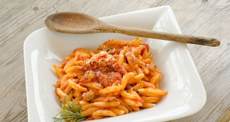 Ricetta di Maloreddus al pomodoro e pancetta