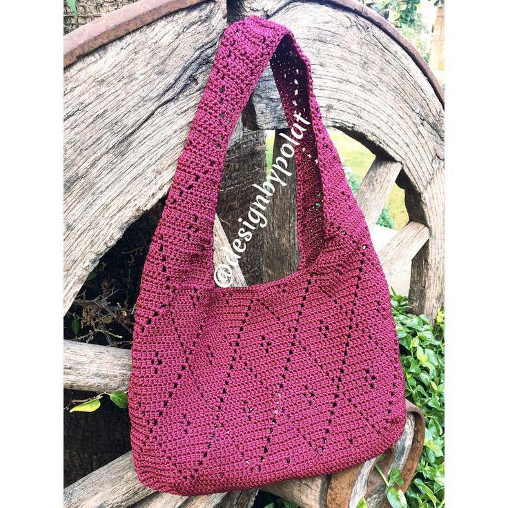 """102 Beğenme, 8 Yorum - Instagram'da designbypolat🍃👁👁🍃 (@designbypolat): """"Yeni bir gün 🌻 yeni bir çanta 🤗G ü n a y d ı nn☀️ #designbypolat #örgüçanta #crochetbag #örgü…"""""""