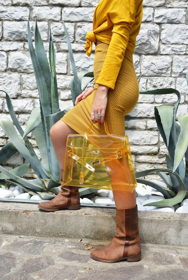 Lock Bag Gialla Look here: http://www.wyandotte.it/progetto-wy-otte/   #bag #fashion #pvc #glamour #outfit #trend #beauty #wyandotte