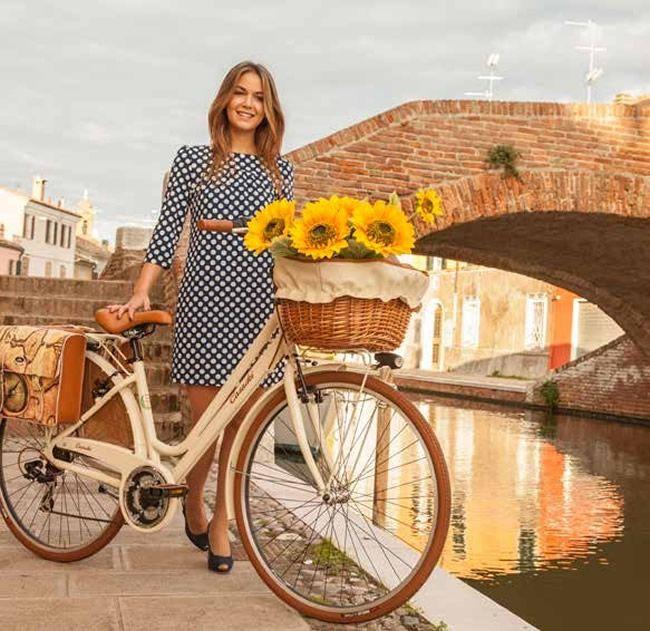 ¿Te gustan las bicicletas bonitas? Entonces te va a encantar la Vintage Donna 6v...y te va a encantar el precio: 329 Eur  (las flores serían un extra)    Haz click en el enlace para ver todos los detalles y colores disponibles...  http://www.labicicleta.com.es/d3gs    #labiciurbana #biciclasica