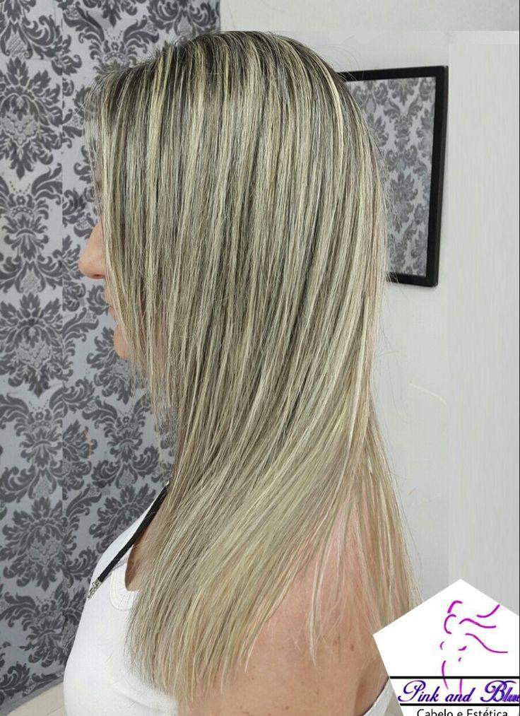 *Babyligths*  mechas finas desde a raiz, deixando os fios iluminados com naturalidade de forma discreta o que facilita e prolonga a manutenção.  Pink and Blue Hair ☎1123799826📱984177258 whatsApp  #vempropink #esteticapink #esmateriapink #modapink #hair #blond #blondstyle #blondygirl #blonders #loira #loirodivo #cabelotratado