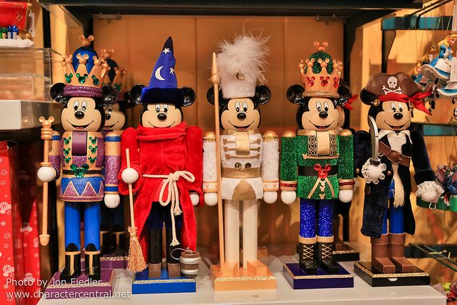 Christmas in Toon Town - Mickey Mouse Nut Crackers