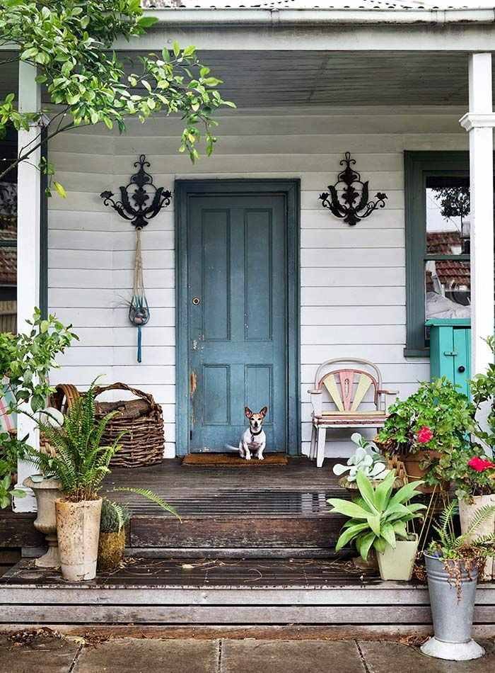 Early summer is perfect porch weather. These homes have porch style covered!