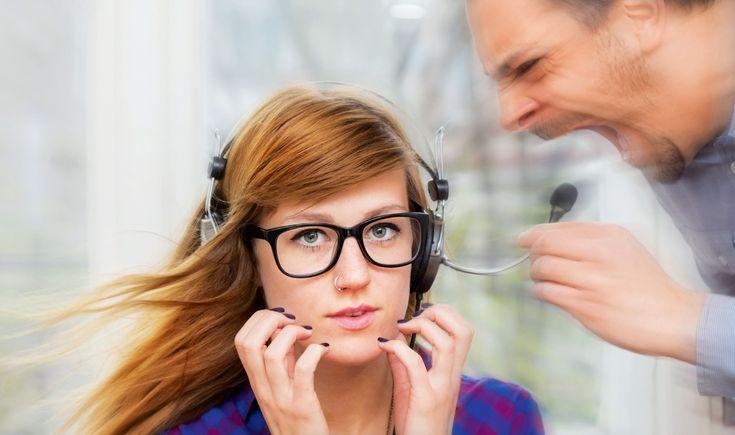 Mobbingul este un fenomen semnalat în cadrul relațiilor de muncă, referindu-se la teroarea psihologică ce se poate instaura într-un mediu de lucru.