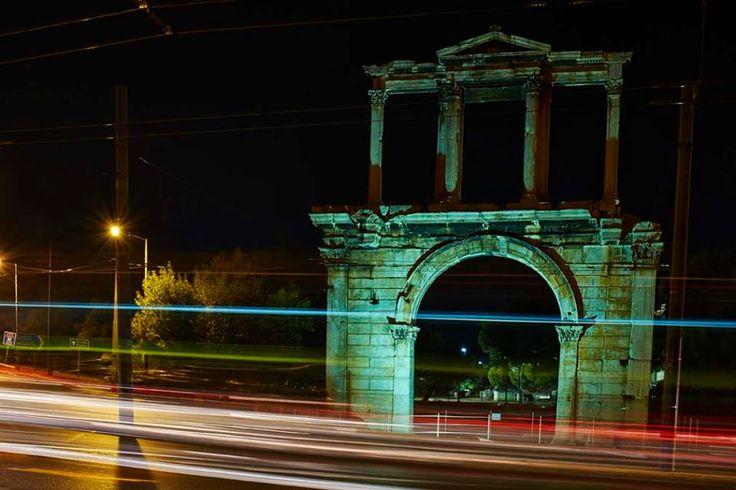 Νυχτερινοί χείμαρροι :: left.gr  -  Νυχτερινοί χείμαρροι  Φωτογραφία-κείμενο: Άγγελος Καλοδούκας - See more at: http://left.gr/news/nyhterinoi-heimarroi#sthash.22dafRtB.DeuDXCFE.dpuf