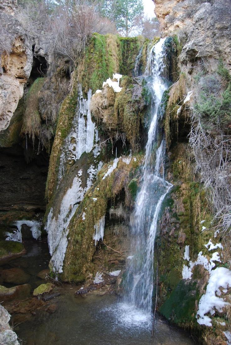 Teruel: Cascada de Calomarde. --- Teruel: Cascade de Calomarde. http://www.nogueranaturalmente.com/2010/04/cascada-de-calomarde.html