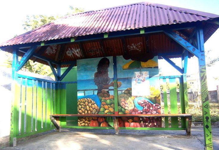 Pour le moins original, cet abribus. A Baie-Mahault, en #Guadeloupe. cc @Moun S Bémao pic.twitter.com/NHM9bYISf7 via @MY Lène Colmar