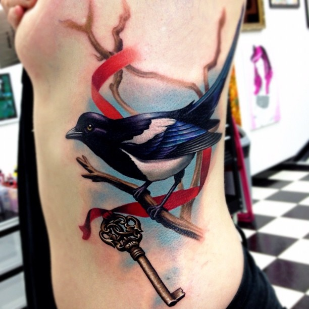 Traditional magpie tattoo - photo#38