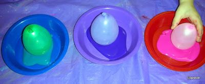 Tippytoe Crafts: circus  balloon stamping