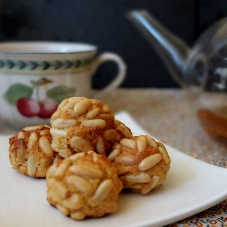 Healthier panellets - lili's cakes #almonds #pinenuts #panellets #healthier #refinedsugarfree #recipe