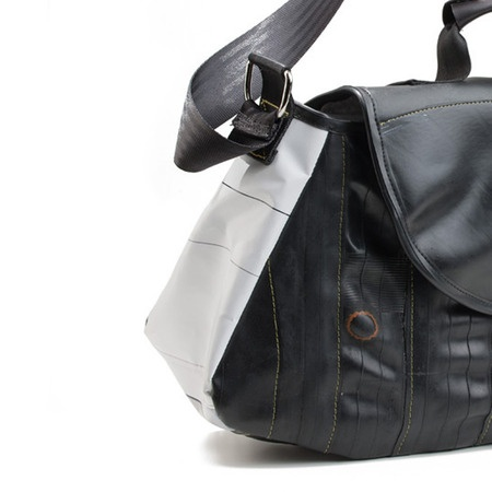 The most popular and geometric multi-purpose bag that you can use in any occasion, from the evening with an aperitif to walk in the countryside. Zama €120 http://kheperbags.it/en/1017/Zama.htm