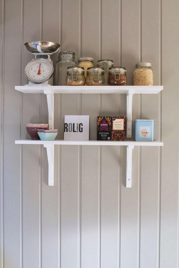 hvitt med farger: Blanke ark på kjøkkenet