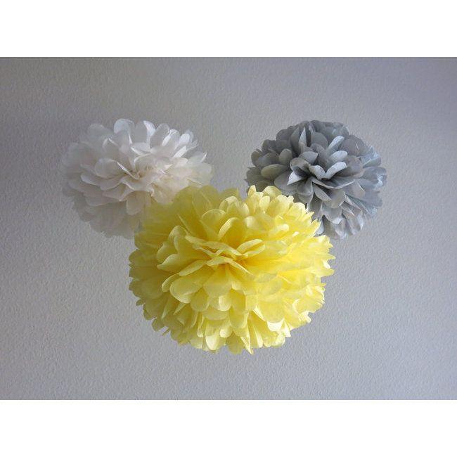 Pompons en papier gris et jaune - http://www.mariageenvogue.fr/s/31763_222162_-4-pompons-en-papier-gris-35-cm