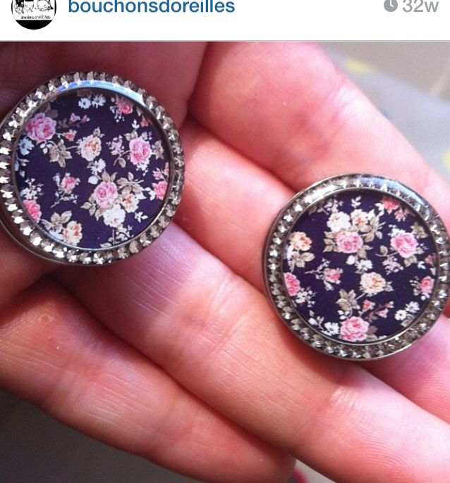 Floral girly plugs. Gauges.