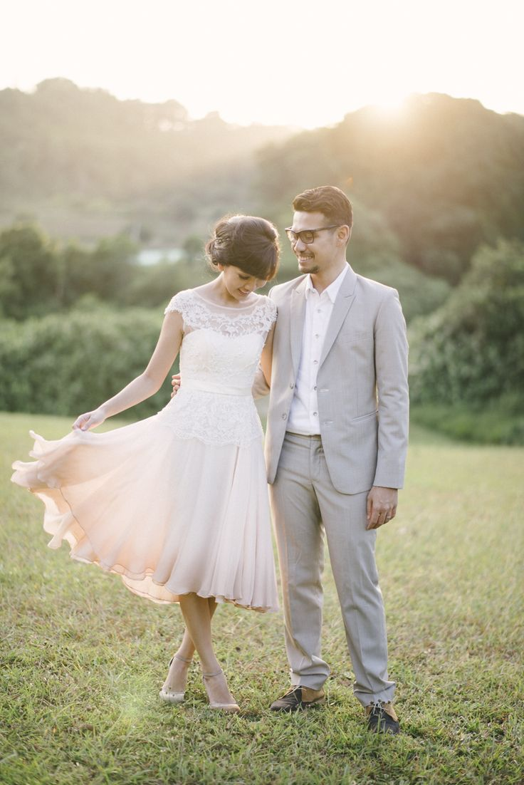 Sparks fly elegant anniversary picnic at hort park date for Dress for 25th wedding anniversary