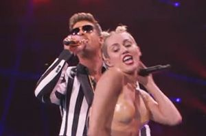 Video Premiere: Miley Cyrus - We Can't Stop / Blurred Lines / Give It 2 U [Live] ft Robin Thicke, 2 Chainz & Kendrick Lamar