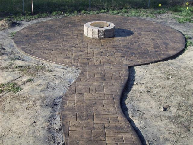 Fire Pit In Stamped Concrete Diy Fire Pit Lawn Garden