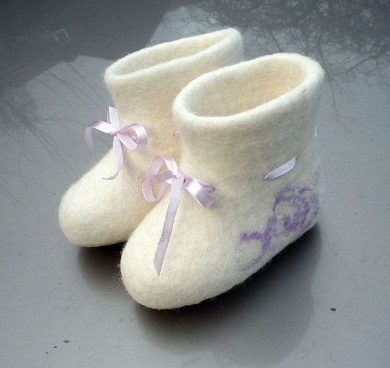 Felted wool booties with ribbons / Baby / Kids / by AgileWool
