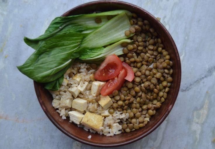 Bowl med linser, tofu og Pak Choy