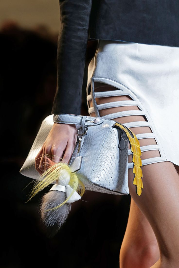 Fendi spring summer 2015 runway bag collection spotted fashion - A Detail Of The Fendi Spring Summer 2015 Collection Look 32