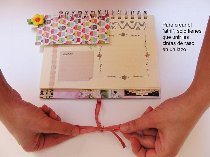 Nuevo tutorial GRATUITO, explicado paso a paso : una caja de recetas con separadores y libreta-atril, ideal como regalo para el Día de la Madre