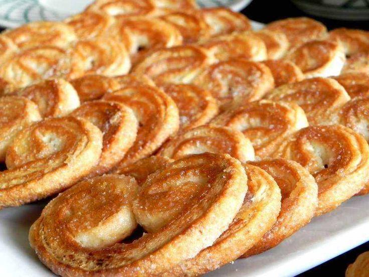 Dit recept beschrijft hoe je palmeritas, Spaanse koekjes, bakt.
