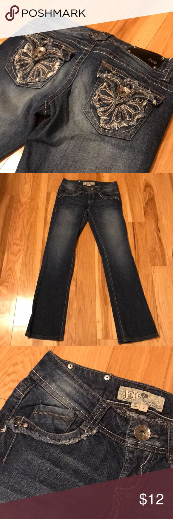 Jolt jeans size 3 These are a pair of Jolt jeans size 3 jeans in excellent condition. Slightly bootcut but slightly straight leg jean with stretch. Best of both worlds! Comes from a smoke free and pet free home. Jolt Jeans Boot Cut