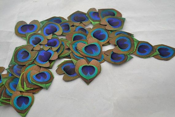 50pcs/lot Hand-trimmed Heart Shape Peacock Eye feathers  for Wedding invitation Table Centerpiece DIY scrapbook or hairpiece, toss down the isle
