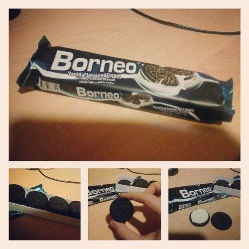 Sert kakaolu yerli üretim bisküvi: #Borneo. #Halk'tan beklenmeyen bir girişim diyebilirim. Sütle tüketilmesi önerilir. #Oreo ile karşılaştırma yap(a)mayacağım, çünkü onu daha denemedim. :(
