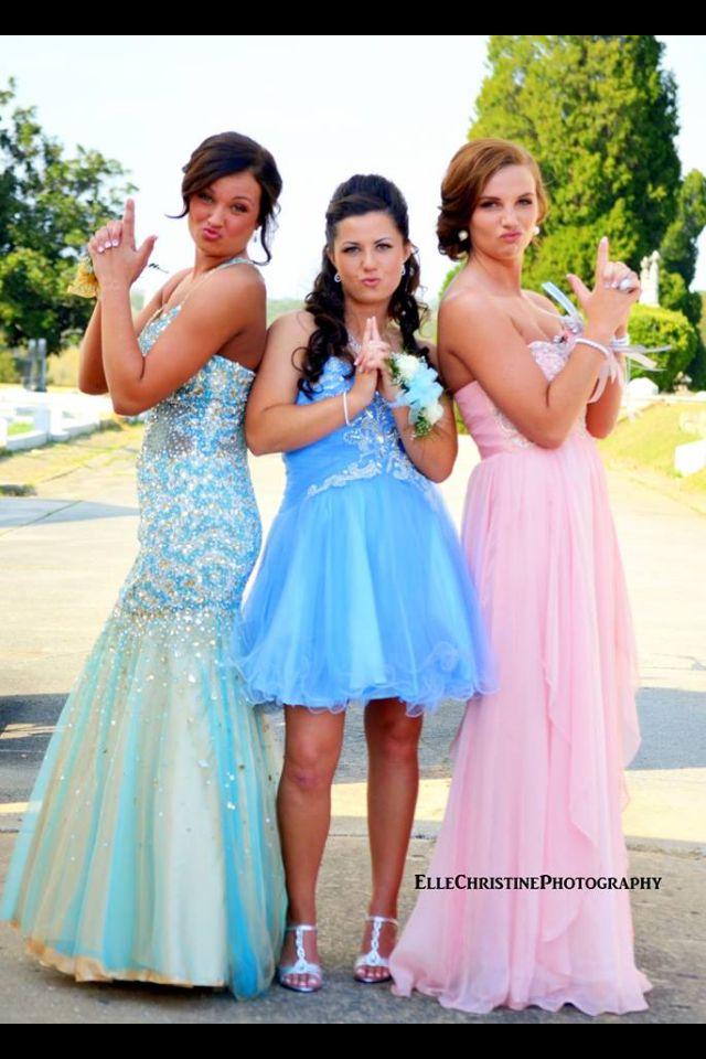 BFF prom (aka Charlie's Angels) pose