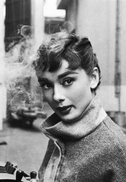 Old Hollywood Actrices 1950 la mode Gif <b> Cru </ b> Audrey Hepburn <bhs vieux Hollywood </ b> drôle <b> </ b>