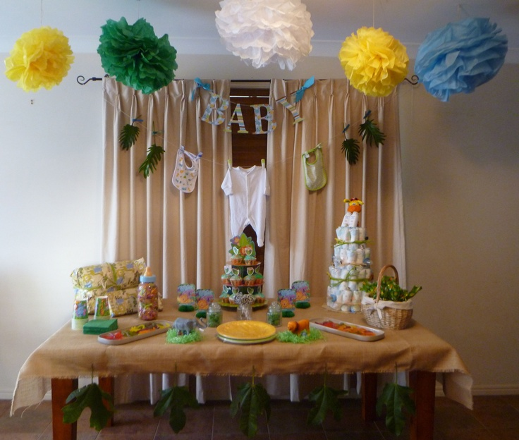 Jungle Themed Baby Shower...AHH AHH Love The Burlap And I Love The