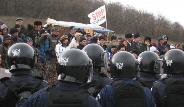 Protests in Pungeşti, Romania