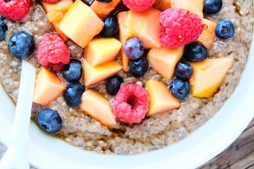 The best breakfast to get you out of bed, cacao chia pudding! Nourishing, healthy and tastes like dessert!