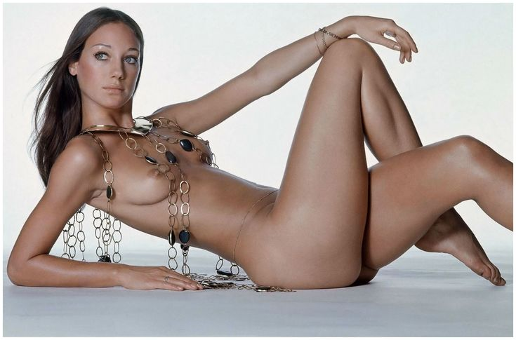 Beauty Break: Marisa Berenson - Blog - The Film Experience photographed by Irving Penn in 1971 she recreates this photo in 2011