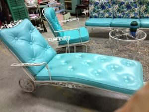 C. Dianne Zweig - Kitsch 'n Stuff: Retro 1950s Patio Lounge Sets Are Back by Janny Dangerous