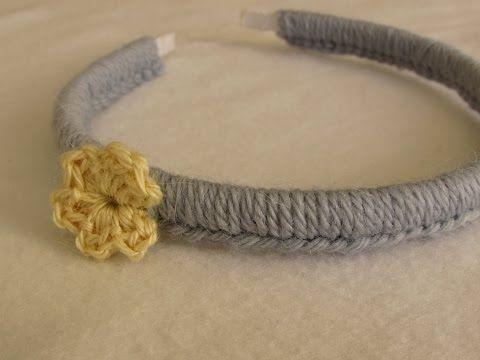 VERY EASY crochet headband / hairband tutorial - crochet for beginners - YouTube ༺✿ƬⱤღ http://www.pinterest.com/teretegui/✿༻